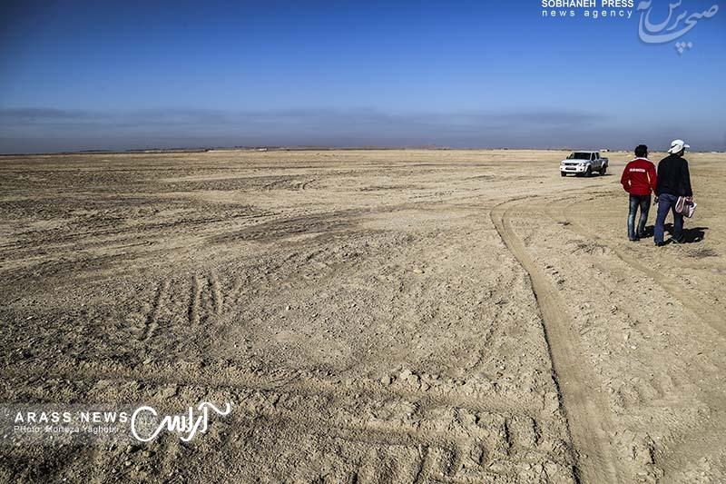 گزارش تصویری / بازدید استاندار خوزستان، مدیرکل مدیریت بحران خوزستان به همراه جمعی از مسئولین ازکانونهای ریزگردشرق اهواز